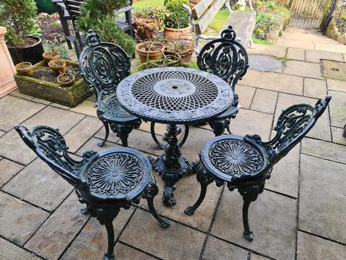 Wonderful Set of Cast Iron Garden Table & Four Chairs (1 of 7)