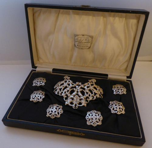 Boxed 1903 Hallmarked Solid Silver Nurses Belt Buckle and Button Set by S Jacobs (1 of 14)