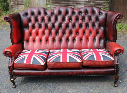 1960s Red Leather Chesterfield Wingback 3 Seater Sofa with Union Jack Cushions (1 of 4)