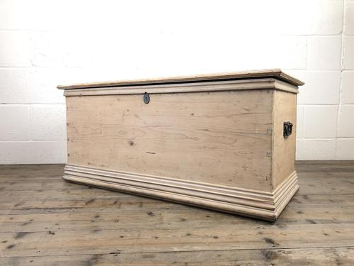 Antique Pine Trunk or Blanket Box (1 of 14)