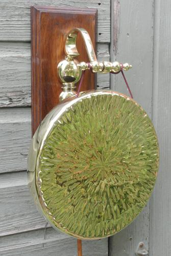 Quality Victorian William Tonks Large Brass Dinner Gong with Oak Back Board c.1900 (1 of 11)