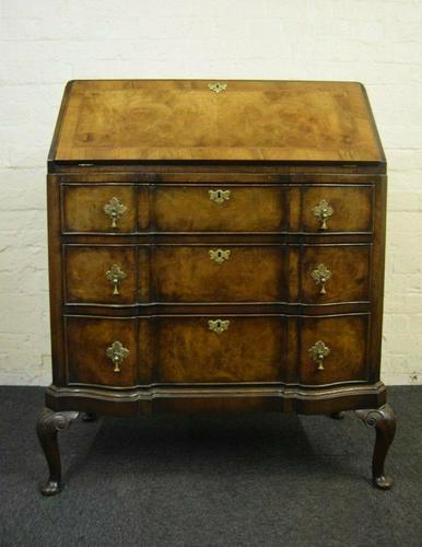 Antique Queen Anne Design Walnut Bureau (1 of 9)