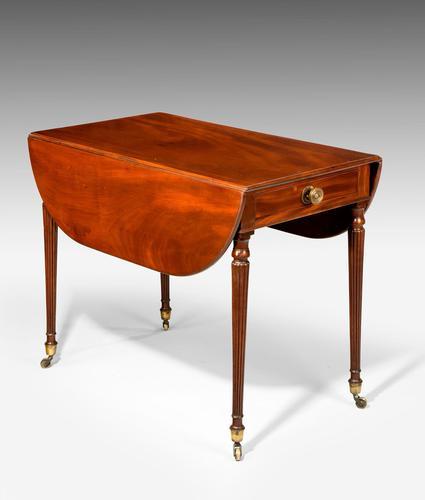 Elegant Georgian Period Mahogany Pembroke Table (1 of 5)