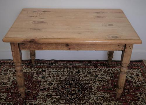 Antique Pine Table with Turned Legs (1 of 11)