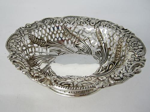 Charming Oval Victorian Silver Dish (1 of 5)