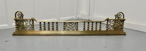 Superb Quality and design 19th Century Heavy Brass Fender (1 of 5)