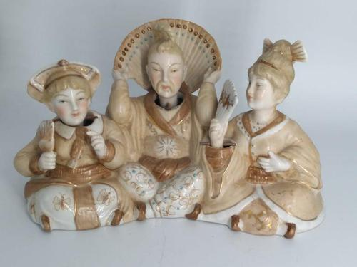 Chinese Porcelain Nodding Head Figures Group (1 of 9)