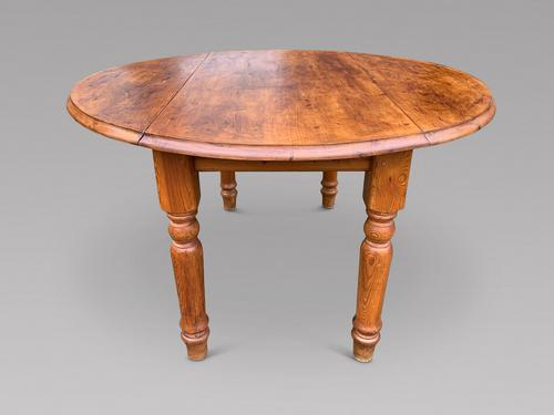 Circular Pine Farmhouse Table (1 of 4)