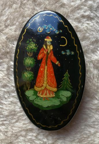 Russian Papier-mâché Hand Painted Brooch (1 of 2)
