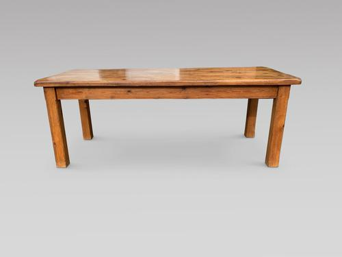 Very Good Sized Rustic Pine Farmhouse Table (1 of 4)