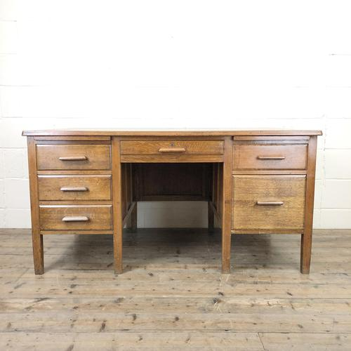 Early 20th Century Oak Desk with Six Drawers (1 of 10)