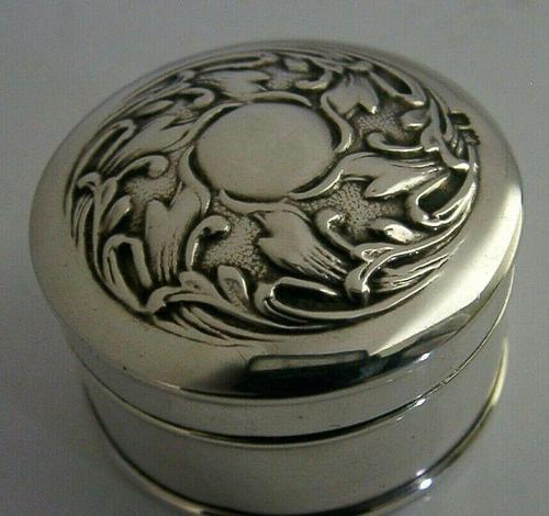 Beautiful Art Nouverau Sterling Silver Box London 1906 English Antique (1 of 6)