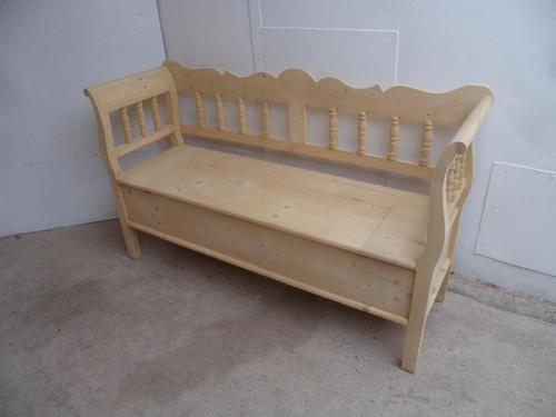 Small 2/3 Seater Antique Pine Hall / Kitchen Box / Settle / Bench to wax/ paint (1 of 9)