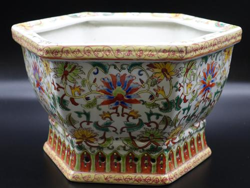Well Decorated Early 20th Century Hexagonal Chinese Porcelain Jardinière (1 of 7)
