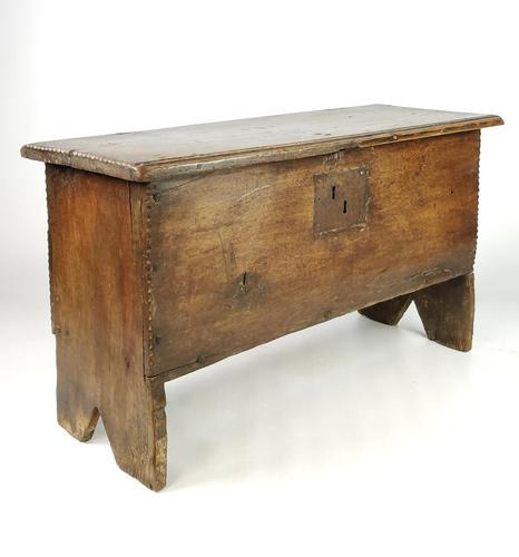 Small 17th Century Oak Plank Coffer (1 of 6)