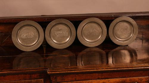 Set of 4 Pewter Plates with Engraved Decoration (1 of 7)