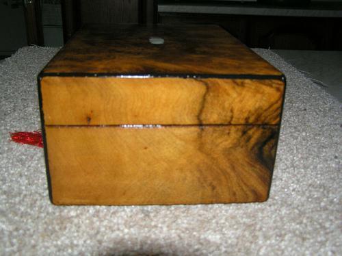 Antique Victorian Walnut Jewellery / Trinket Box, Mop, working lock & key (1 of 9)