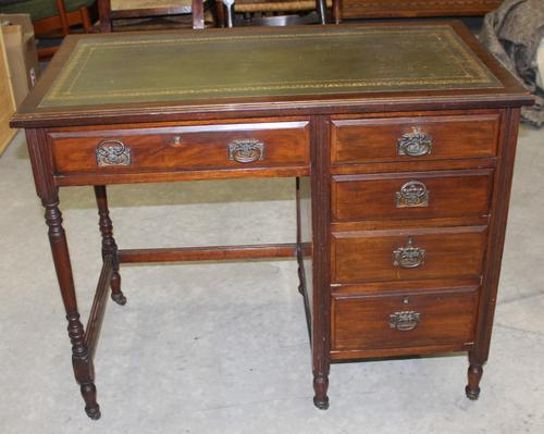1930s Oak Desk with Green Leather Inset '1 Piece' (1 of 4)