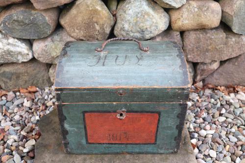 Scandinavian / Swedish 'Folk Art' Small blue-black orginal paint, Hälsingland table chest box 1814 (1 of 25)