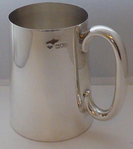 Edwardian 1905 Hallmarked Solid Silver 1 One Pint Tankard Christening Mug (1 of 10)