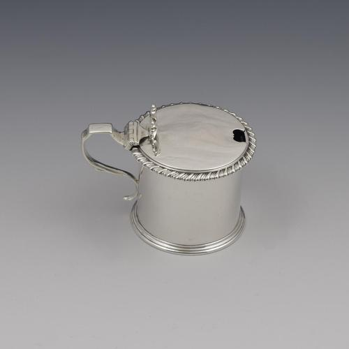 Victorian Silver Drum Mustard Pot London 1866 (1 of 10)
