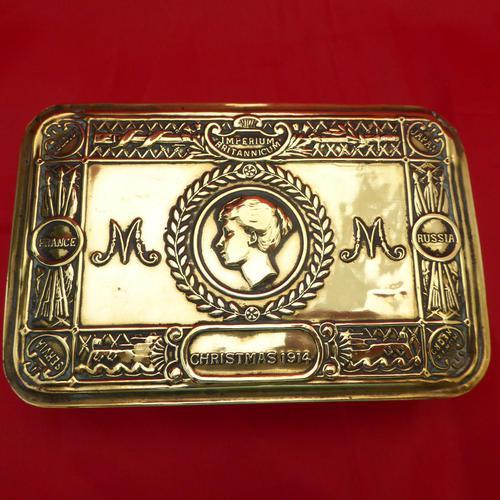 WW1 Princess Mary Brass Gift Tin (1 of 3)