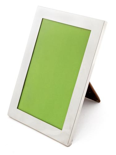 Good Quality Plain Border Silver Picture Frame with Original Oak Easel Stand Back (1 of 4)