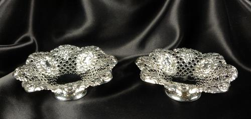 Small Pair of Late Victorian Silver Bonbon Dishes (1 of 5)