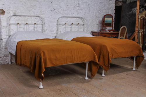 Pretty Pair of Simple French Single No End Beds 'can be joined' (1 of 5)
