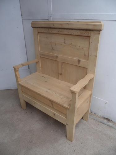 Lovely 1-2 Seater Antique Pine Hall / End of Table Bench to wax / paint (1 of 8)