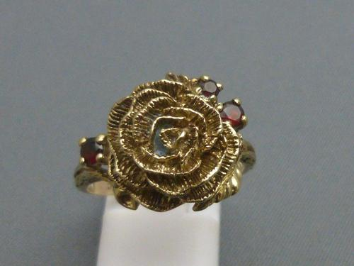 9ct Gold Ruby Flower Head Ring (1 of 6)