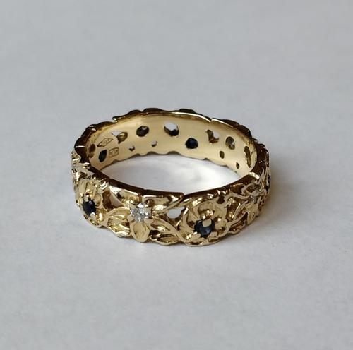 Franklin Mint 14ct Gold Eternity Ring Sapphires and Diamonds (1 of 8)