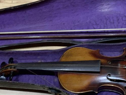 Violin & Case with Bow Victorian (1 of 12)