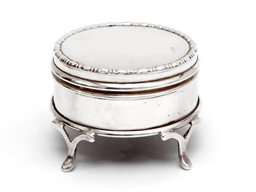 Small Circular Silver Jewellery Box with a Plain Body and Mauve Velvet Lining (1 of 5)