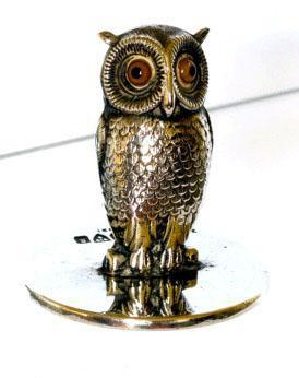 S.Mordan & Co. Owl Menu Stand with Glass Eyes - Chester 1905 (1 of 4)