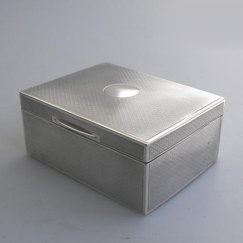 Good & Attractive Art Deco Good Sized Solid Silver Cigarette Box c.1925 (1 of 9)