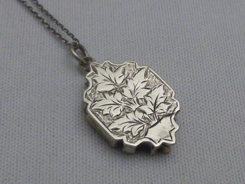 Victorian Silver Locket (1 of 8)