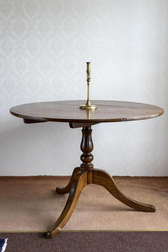 Magnificent Ash Tripod Table - Seat 4 Comfortably (1 of 7)