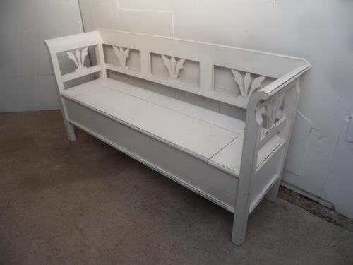 A Lovely White 3 Seater Antique/Old Pine Kitchen/Hall Box Settle/ Bench (1 of 9)