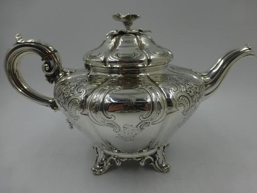 Antique Victorian Silver Teapot  London 1844 Barnard Brothers (1 of 10)
