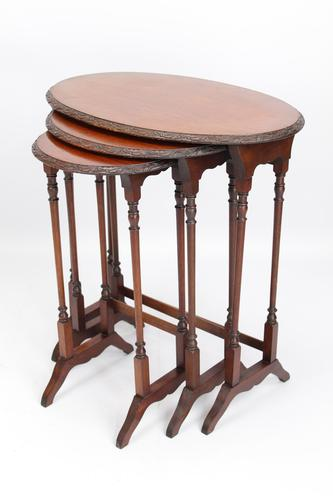 Antique Victorian Nest of 3 Mahogany Tables (1 of 13)