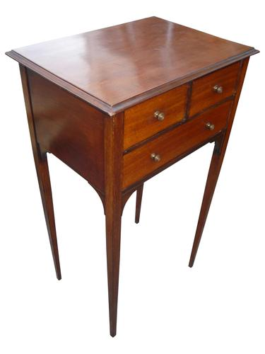 Small Mahogany Chest / Bedside c.1925 (1 of 1)