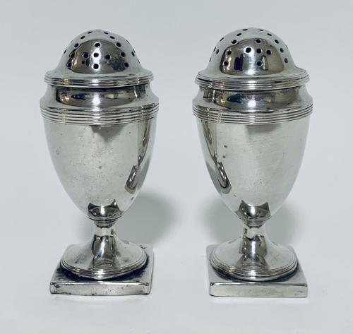 Pair of 18th Century Georgian Solid Sterling Silver Salt and Pepper Shakers Pepperettes (1 of 12)