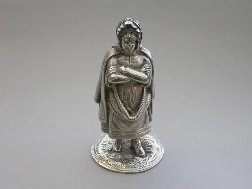 Scottish Novelty Silver Newhaven Fishwife Pepper by W.H & S, Edinburgh 1926 (1 of 12)