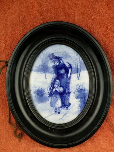 Rare Antique Royal Doulton Blue & White Mother & Girl Framed Oval Plaque C1910 (1 of 12)