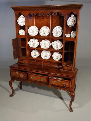 Fine Quality Late 19th Century Oak Dresser & Rack (1 of 5)