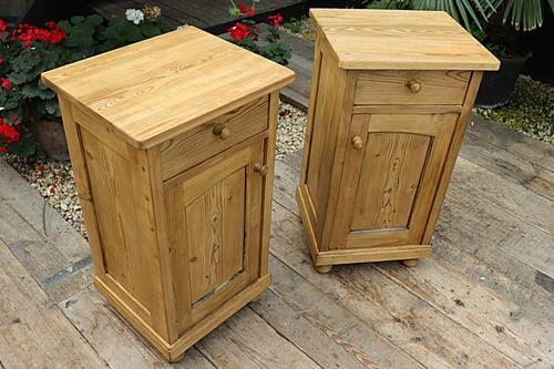 Fabulous! Pair of Old Stripped Pine Bedside Cabinets / Cupboards - We Deliver! (1 of 9)