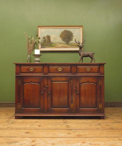 Solid Georgian Style Oak Dresser Base Sideboard by Titchmarsh & Goodwin (1 of 22)