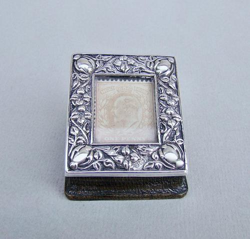 Art Nouveau Silver Single Stamp Box by Edward Souter Barnsley, Birmingham 1902 (1 of 5)