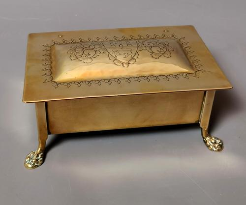 Antique Brass Tobacco Box, Heraldic (1 of 13)